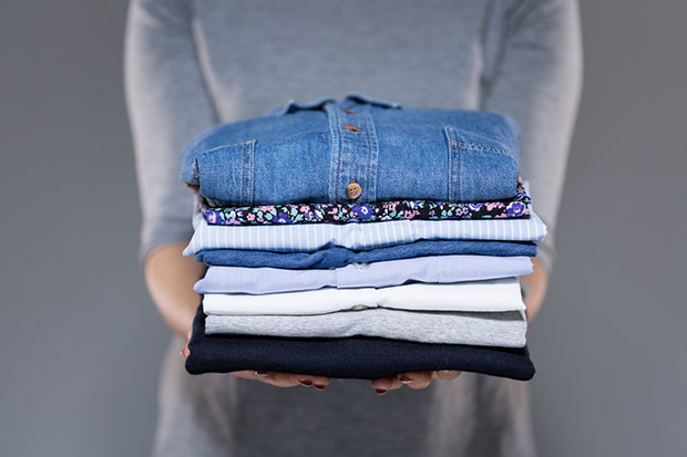วิธีรีดผ้าโดยไม่ต้องใช้เตารีด