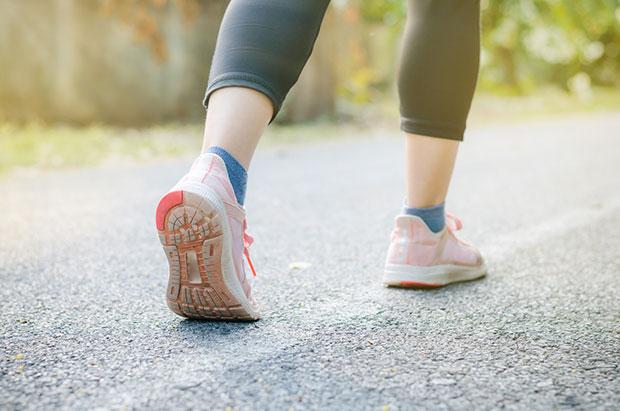 การเดินจะช่วยเผาผลาญแคลอรี่ได้มากเท่าไหร่