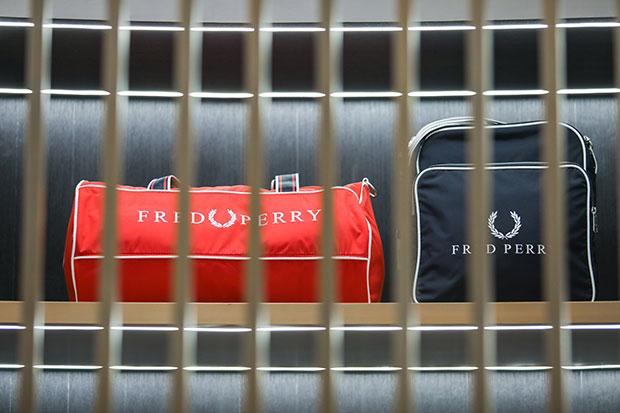 กระเป๋า FRED PERRY